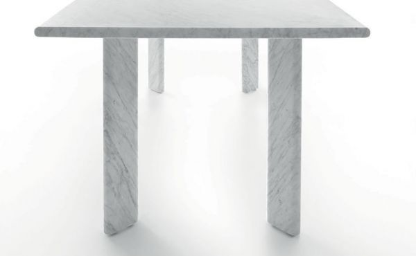 Dining table Agorà in marble desing by Naoto Fukasawa
