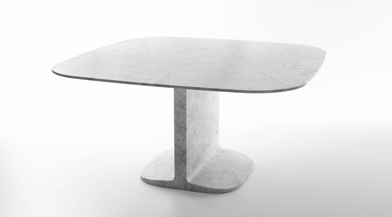 square dining table in marble Dino