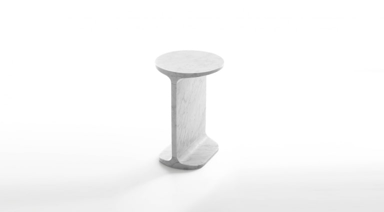 Ipe tondo Round side table in White Carrara marble