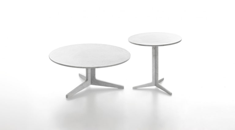 Low table, round, in White Carrara marble, matt polished finish