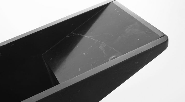 umbrella stand in black marquina marble