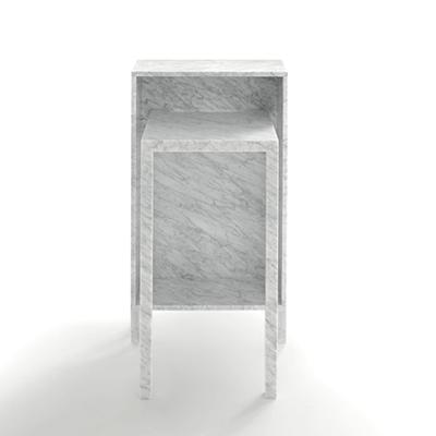 Rendez vous 110 desk in marble