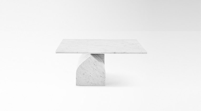 Low table in marble Seesaw 30