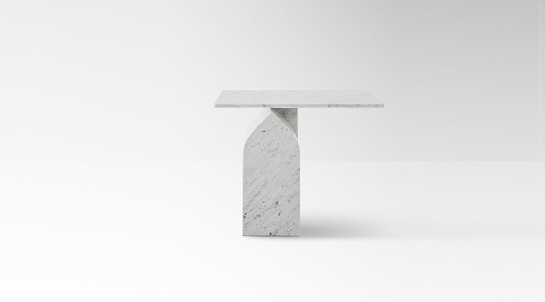 Side table Seesaw 50 in white carrara marble