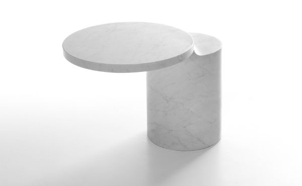 Side table Taksim in white carrara marble by Konstantin Grcic