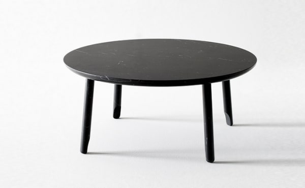 round low table in black marquina marble