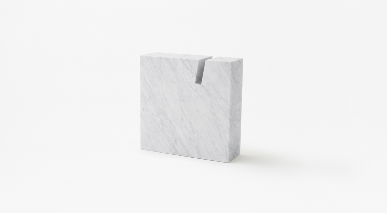 Gap Side table or book stand in White Carrara marble