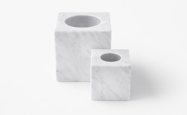 candle holder in white carrara marble
