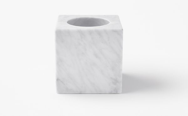 candle holder in white marble