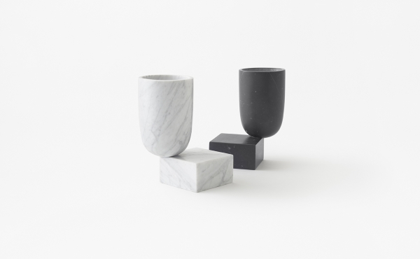 Undervase vase in white and black marble