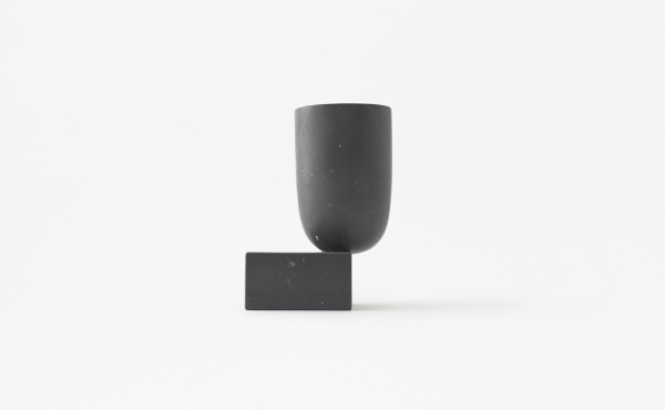 Undervase vase in black marquina marble design by nendo